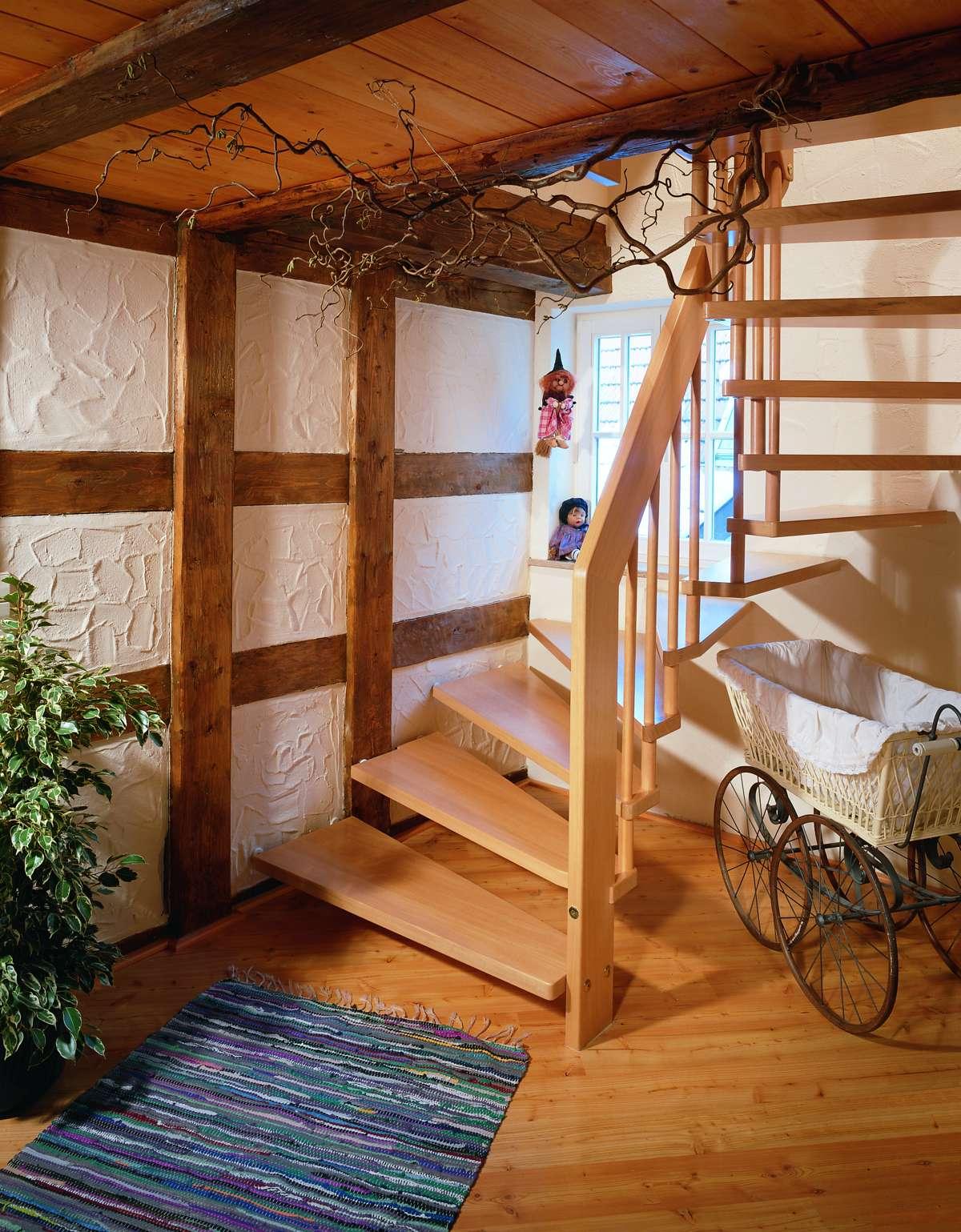 arcus treppen holztreppen massivholztreppen. Black Bedroom Furniture Sets. Home Design Ideas