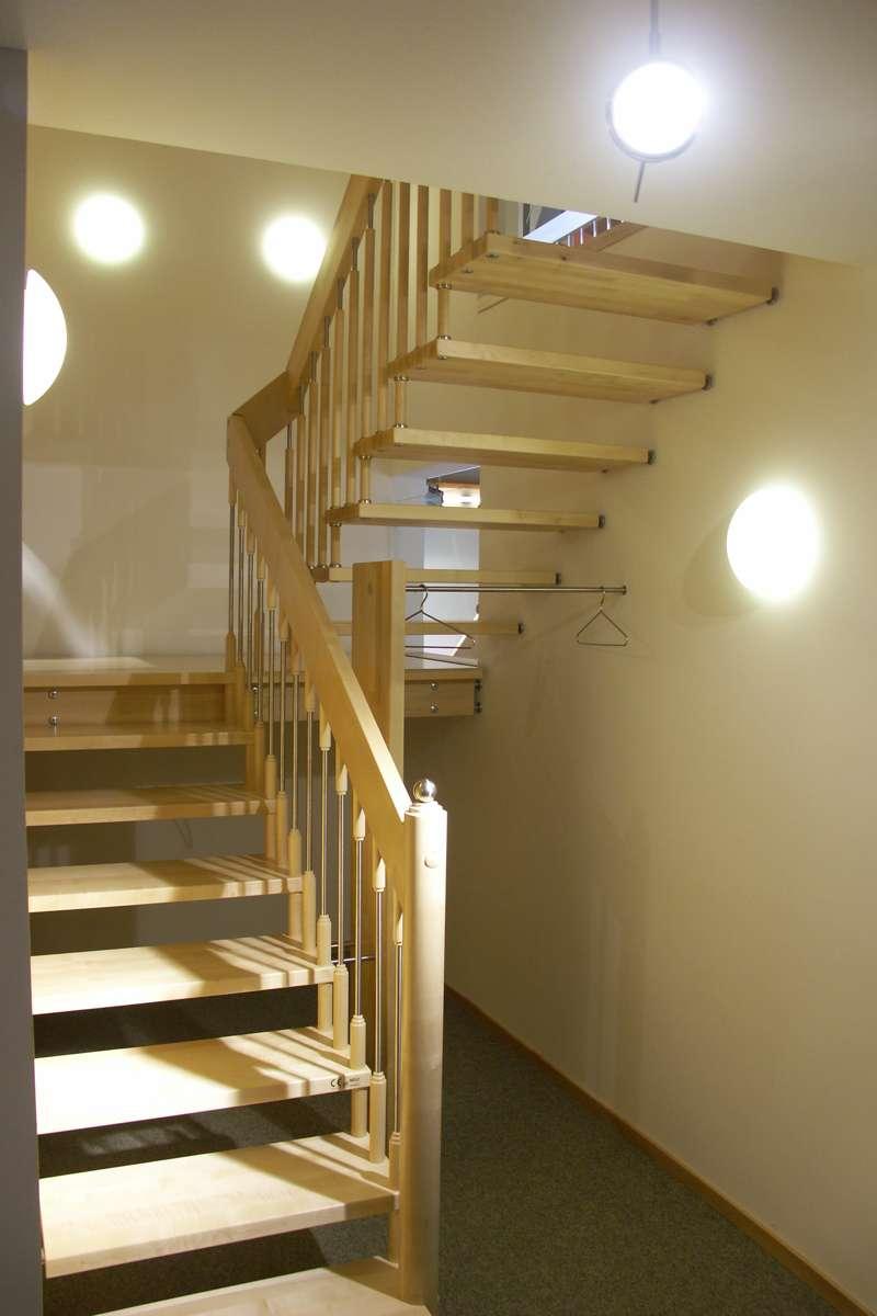 arcus treppen podesttreppen aus holz gefertigt oder mit. Black Bedroom Furniture Sets. Home Design Ideas