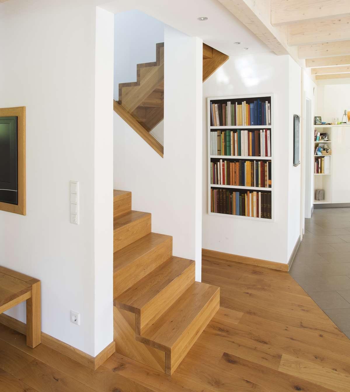 arcus treppen wangentreppen treppen mit holzwangen oder stahlwangen. Black Bedroom Furniture Sets. Home Design Ideas
